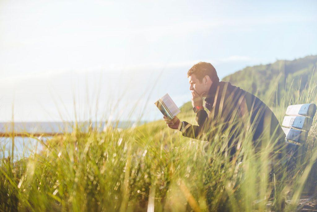 leer en un paisaje de irlanda ingles